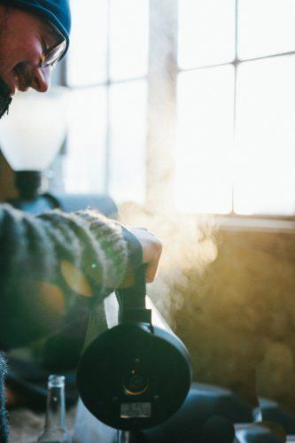 brewing coffee fotograf Gotland Linnea Ronström