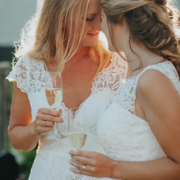 Bröllopsfotograf Gotland - Astrid & Isabella